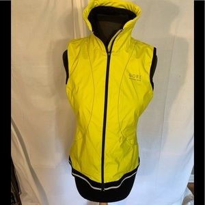 Gore running wear active wind-stoppers vest. M